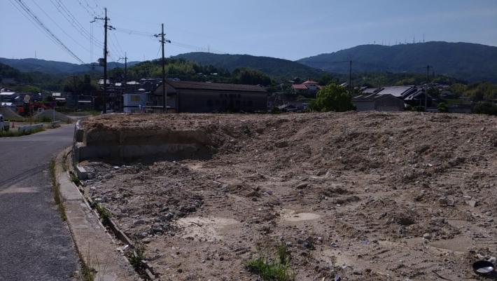 R168のために取り壊された住宅